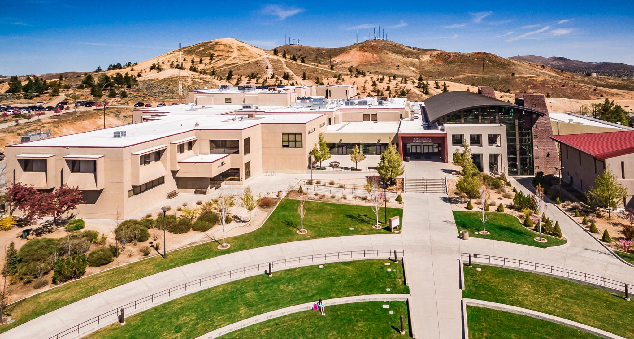 /en/noticia/post/what-international-students-say-about-studying-nevada
