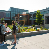 Estudia en línea y prepárate para mudarte a los Estados Unidos