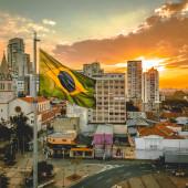 Ter ou não ter amigos brasileiros enquanto você estuda no exterior? Eis a questão!