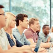 ¿Quieres estudiar y trabajar en el Reino Unido? Estos cursos te pueden ayudar
